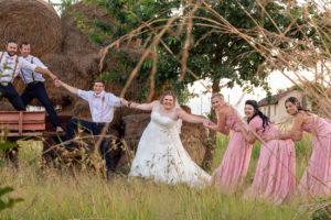 Bridal Entourage Pulling
